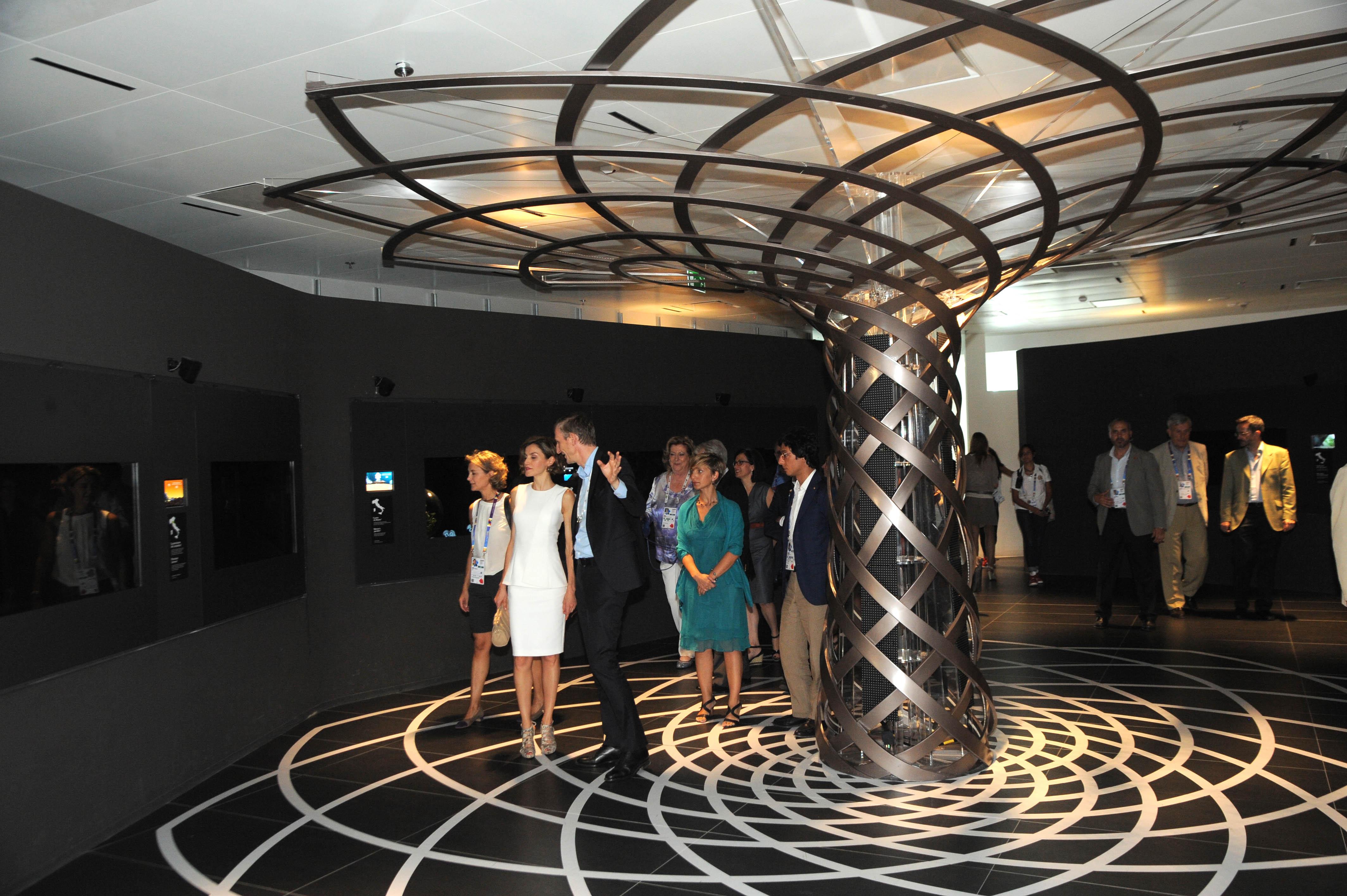 Regina letizia di spagna a expo milano 2015 foto b in rome for Esposizione universale expo milano 2015