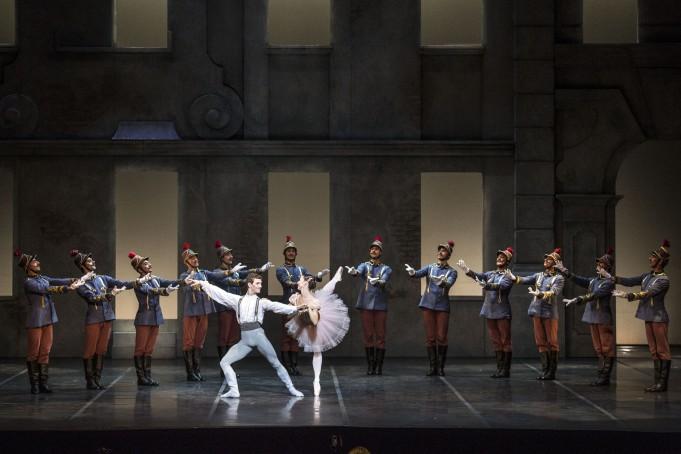 Alessia Gay e Alessio Rezza - Swanilda e Franz - in Coppèlia di R. Petit, Teatro dell'Opera di Roma 2015