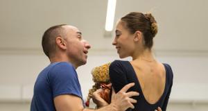 Giuliano Peparini e Rebecca Bianchi durante le prove - foto di Yasuko Kageyama