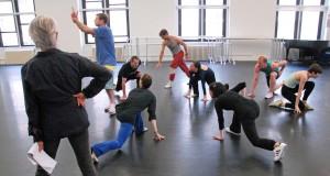 La Twyla Tharp Dance Company durante le prove - foto di Gene Feldman