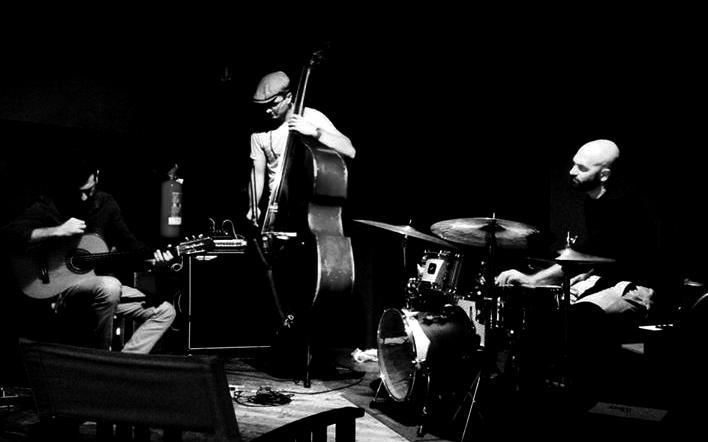 Malomi Trio in concerto al 28Divino Jazz