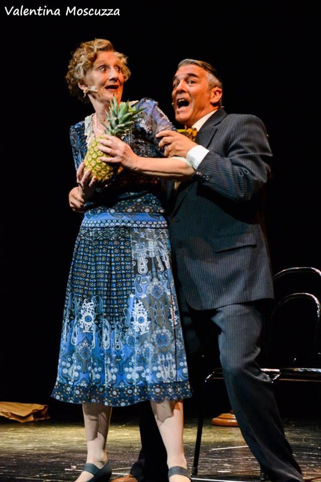 Jayne Solesbury e Mauro Beltramme in Welcome to Berlin al Teatro della Cometa