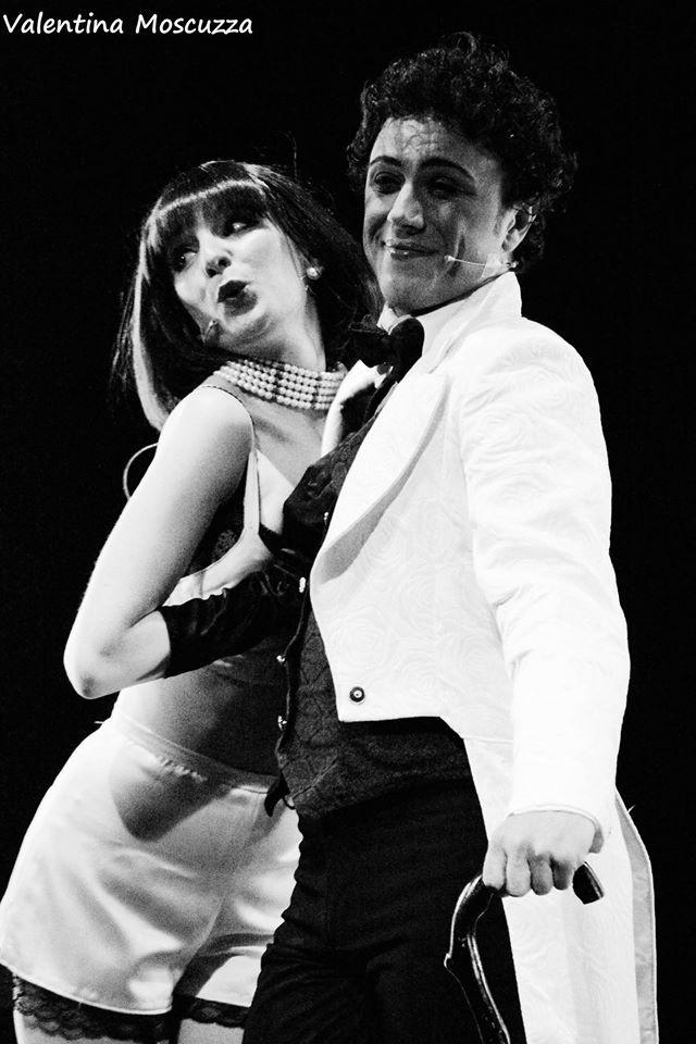 Emma Gordon e Miky Nari in Welcome to Berlin al Teatro della Cometa