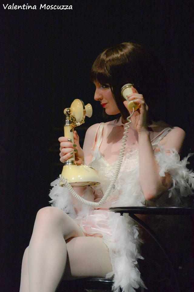Emma Gordon in Welcome to Berlin al Teatro della Cometa