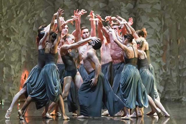Il Balletto di Roma, in una scena di