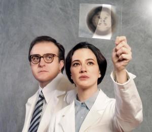 """Asia Argento in scena all'Eliseo con """"Rosalind Franklin Il segreto della vita"""", una delle storie più controverse della scienza mondiale"""