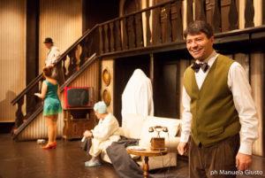 """Il cavallo di battaglia della comicità """"Rumori fuori scena"""", al Teatro Vittoria dal 12 dicembre"""