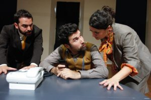 """""""La lotta al terrore"""", di Lucia Franchi e Luca Ricci quando bisogna combattere il terrorismo in una sala comunale"""