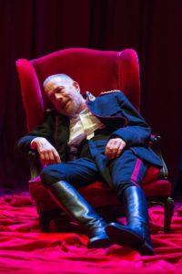 """Gabriele Lavia in scena al Quirino con """"Il padre"""" di Strindberg"""