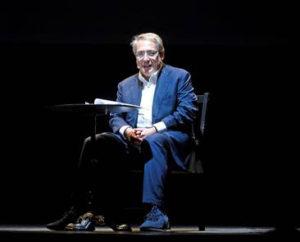 Roberto Napoletano sale sul palco e ci parla del Cigno Nero
