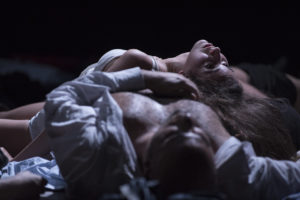 """""""Lingua di cane"""" della Compagnia L'Arpa, uno spettacolo di Giuseppe Cutino e Sabrina Petyx, 9 e 10 novembre ore 21, Teatro Biblioteca Quarticciolo"""