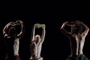 """Collettivo Trasversale in scena al Teatro Biblioteca Quarticciolo con """"Scarpa-Shoe.Run"""""""