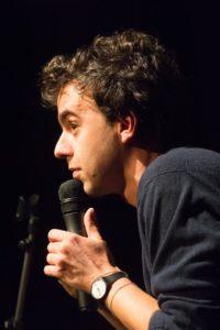 Un maggio di risate all'Off Off Theatre con Luca Ravenna